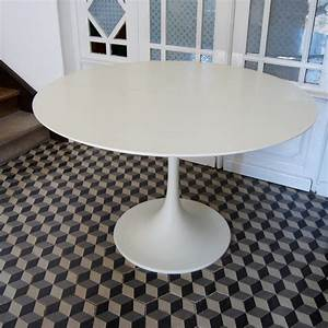 Table Pied Tulipe : table ronde pied tulipe brocante avenue ~ Teatrodelosmanantiales.com Idées de Décoration