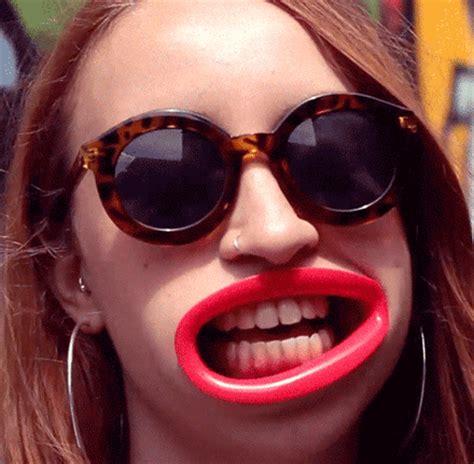hyperlips    big giant gaping lips