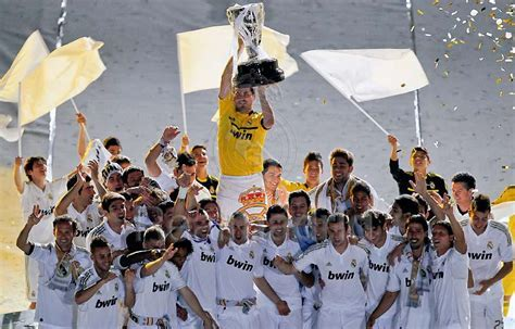 Latest news, fixtures & results, tables, teams, top scorer. Real Madrid La Liga Champions 2011-2012 - Real Madrid C.F ...