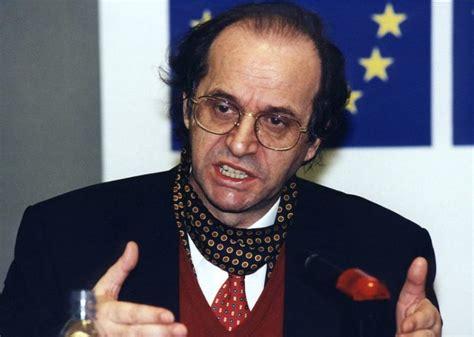 Publikohet dokumenti -Ibrahim Rugova kishte bërë kërkesë ...