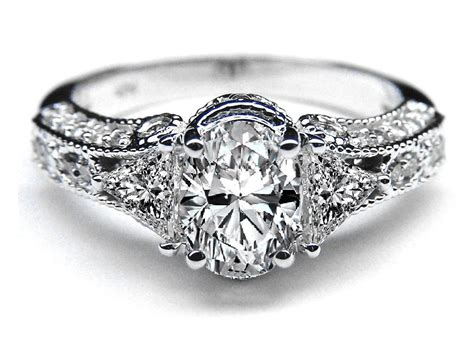 Antique Style Engagement Diamond Rings