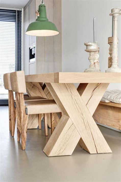 refaire cuisine en bois les 25 meilleures idées concernant table bois brut sur