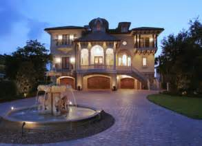 Stunning Luxury European Homes Ideas by 5 Driveways With Fountains