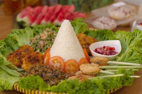 Sate lilit adalah sebuah varian sate asal bali. Tumpeng ala Bali: Resep Sate Lilit | Asian recipes, Food, Sate