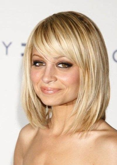 Bob Hairstyle With Side Fringe by Bob With Side Bangs Hledat Googlem Curly Cut