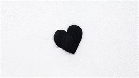 Discover this awesome collection of dark iphone wallpapers. 4K Heart Black Love Wallpaper - 3840x2160
