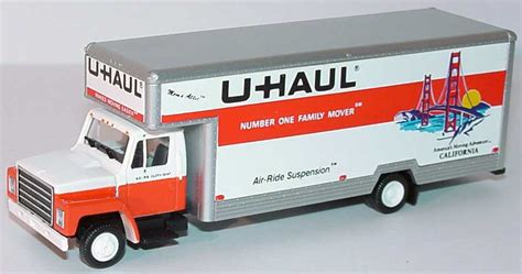 1:87 International 2a Möbelwagen U Haul California herpa ...