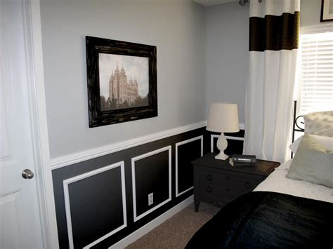 two tone bedroom with chair rail chair rail in bedroom chair rail designs bedroom with