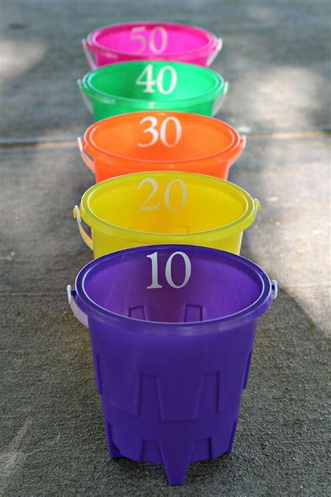 spiele für den sommer stoffball werfen kinder outdoor spiele ideen f 252 r den sommer kinder outdoor for