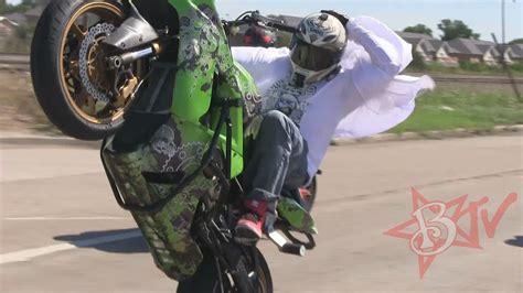 stunt bike riding long highway wheelies streetfighterz roc