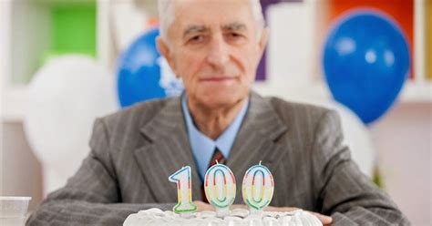 Idi 324 The Oldest Old A Look At Centenarian