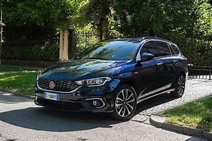 Fiat Tipo Noir : fiat tipo station wagon specs photos 2016 2017 2018 2019 autoevolution ~ Medecine-chirurgie-esthetiques.com Avis de Voitures