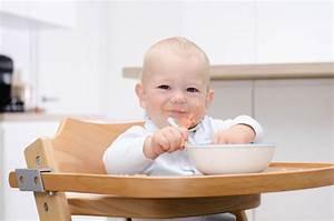 Baby 4 Monate Schlaf Tagsüber : welchen hochstuhl f r ein 4 monate altes baby magazin ~ Frokenaadalensverden.com Haus und Dekorationen