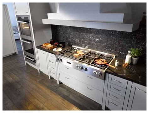 """KMR1356G Miele 48"""" Gas Cooktop with Griddle Clean Touch"""