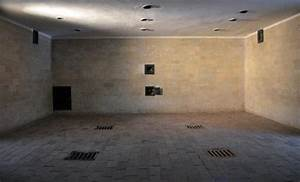 Gas Chamber - Picture of Dachau Concentration Camp, Dachau ...