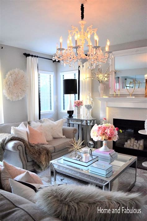 Girly Living Room by 25 Best Ideas About Living Room Mirrors On