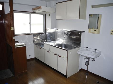 Japanese Kitchen Apartment by File Tokyo Kitchen Jpg Wikimedia Commons