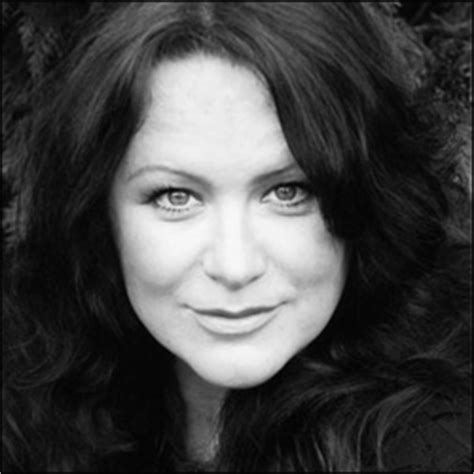 jane robbins actress amy robbins holby tv