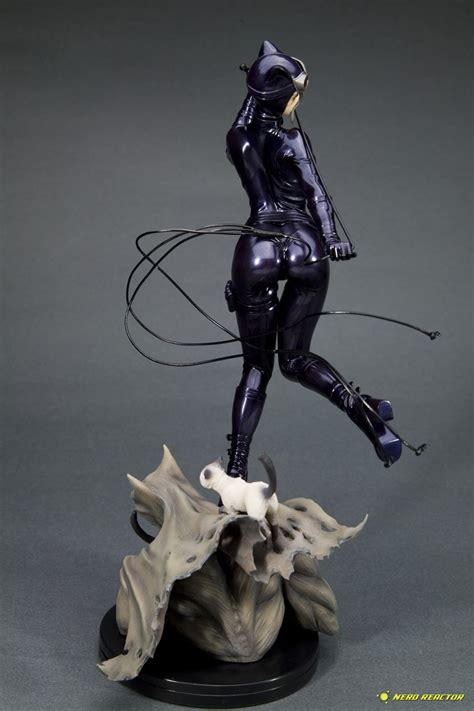 catwoman  illustrated  dc bishoujo statue