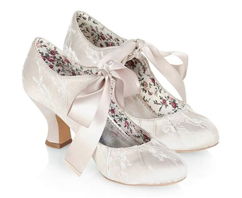 1000 Ideas About Winter Wedding Shoes On Pinterest