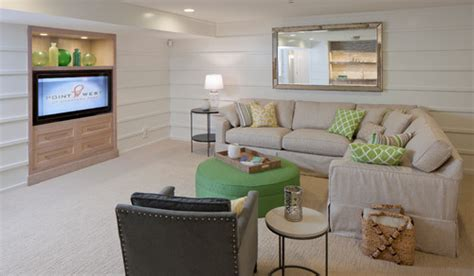 11 ways to work with a windowless room