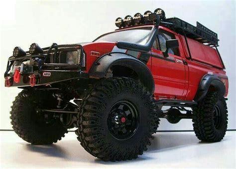 toyota hilux pick ups sureleves voiture jeep  vehicules