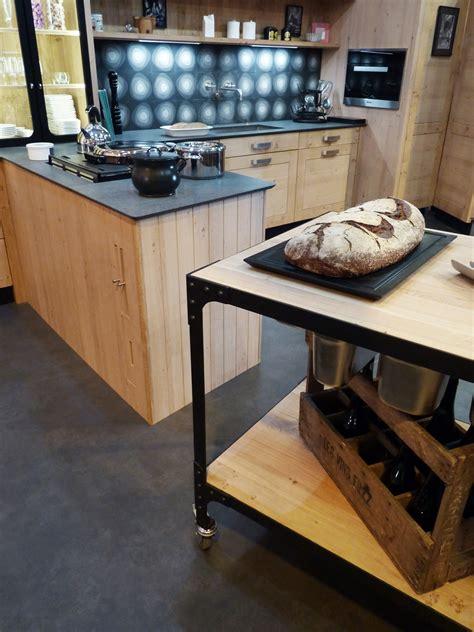 atelier culinaire cuisine ch 234 ne massif clair desserte plan de travail mobile structure acier