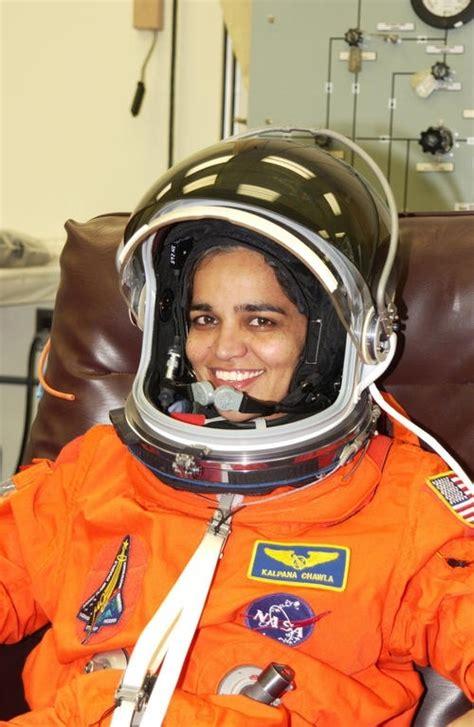 kalpana chawla tributes pour   indias  woman