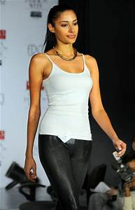 First look: Hotties audition for Delhi's Wills FW - Rediff ...
