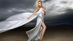 Fashion Photo Shoot with Model on the Beach - YouTube