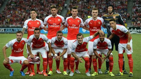 Petr Cech praises 'extraordinary' team spirit at Arsenal ...