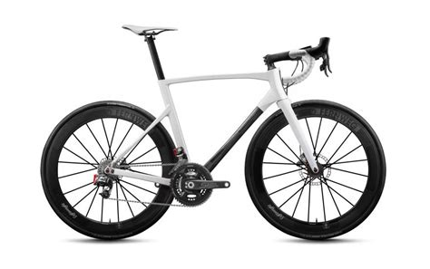 Lightweight Launches New Ride And Urgestalt Disc Frames