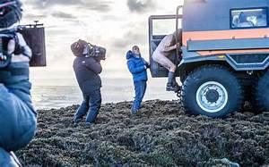 Matt LeBlanc rescues naked ramblers in Top Gear trailer