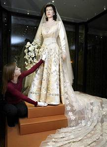 the queen39s wedding dress is still 39fresh and timeless39 70 With queen elizabeth wedding dress