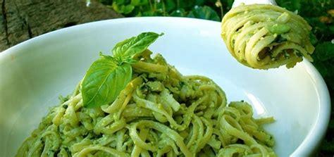 avocado basil pasta avocado pesto pasta chloe coscarelli vegan chef
