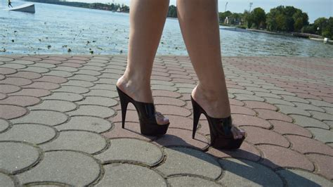 Sexy Milf Walking Heels New Porno
