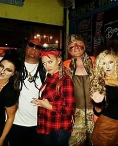 Photo of Country Singer in Black Face Lil Wayne Costume ...