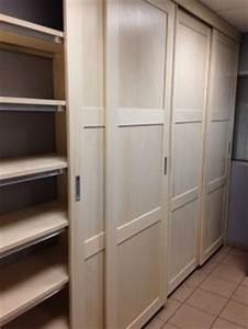 Des portes de placard coulissantes et pratiques leroy for Porte de garage coulissante et bloc porte pin massif