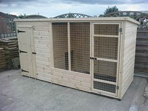 Hutchnsuch wooden dog kennels and runs for Wooden dog kennels and runs