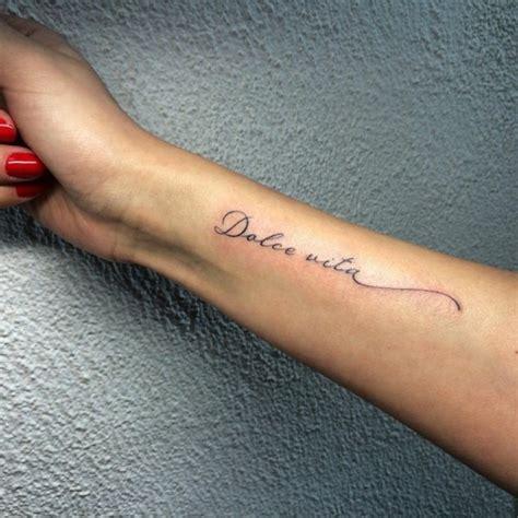 filigrane tattoos handgelenk schriften 49 ideen und spr 252 che f 252 r ihren pers 246 nlichen schriftzug