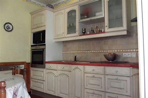 armoire en coin cuisine cuisine armoire cuisine bois armoire de cuisine