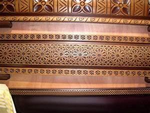 Banquette Salon Marocain : fabriquer banquette en bois pour salon marocain ~ Teatrodelosmanantiales.com Idées de Décoration
