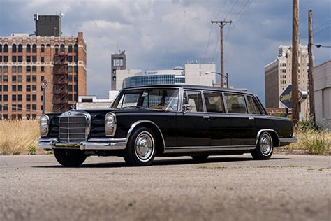 Mercedes benz s600 pullman limousine's average market price (msrp) is found to be from $192,000 to $311,000. The Mercedes-Benz 600 Pullman Limousine An Iconic Model ...