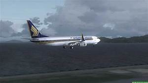 Singapore Airlines 737-800 Landing At Hong Kong