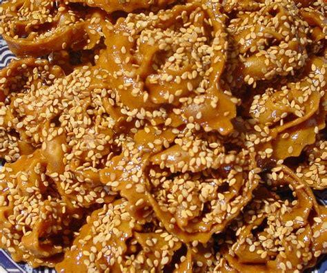cuisine de choumicha patisserie marocaine chebakia