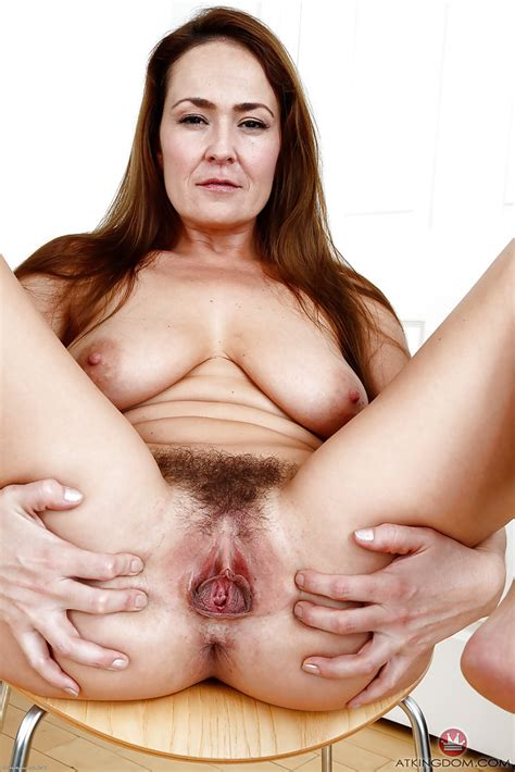 Busty Mom Elexis Monroe Stretching Hairy Vagina Wide Open