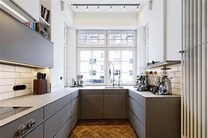 Spritzschutz Küche Nach Maß : k che nach ma in einem tollen altbau wei und grau kombiniert mit einer edelstahlarbeitsplatte ~ Watch28wear.com Haus und Dekorationen