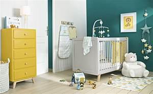 Tableau Chambre Bébé Garçon : une chambre pour gar on en bleu et jaune joli place ~ Melissatoandfro.com Idées de Décoration