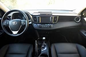 Toyota Rav4 Hybride Black Edition : toyota rav4 hybrid 2016 el suv compacto h brido ~ Gottalentnigeria.com Avis de Voitures
