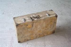 Valise En Bois : valise en bois photo de valise en bois r tro industriel ~ Teatrodelosmanantiales.com Idées de Décoration